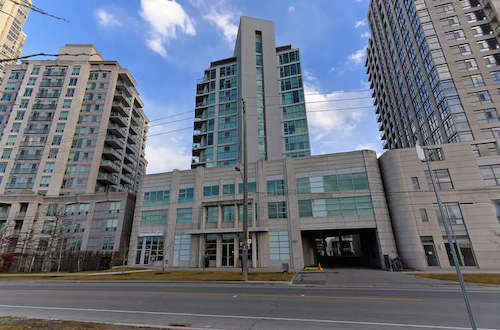 Players Club Condos, 2067 Lakeshore Blvd W.